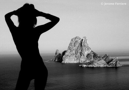 Shade black & white photography ibiza by Jérôme Ferrière