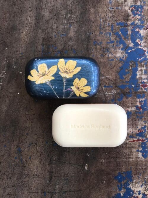 soap with decoupage flowers